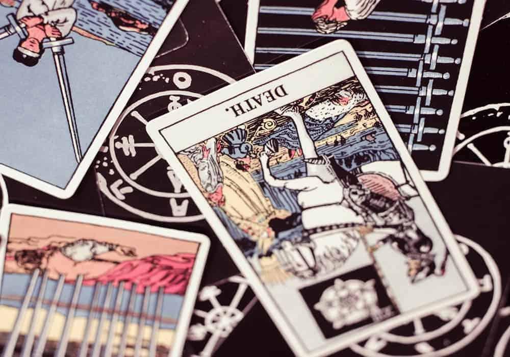 Značenje naopako okrenutih tarot karata